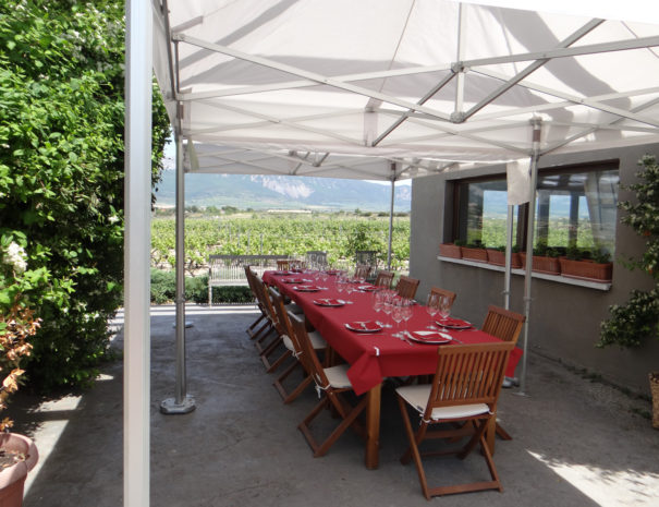 Carravalseca-lunch-table-Wilextours
