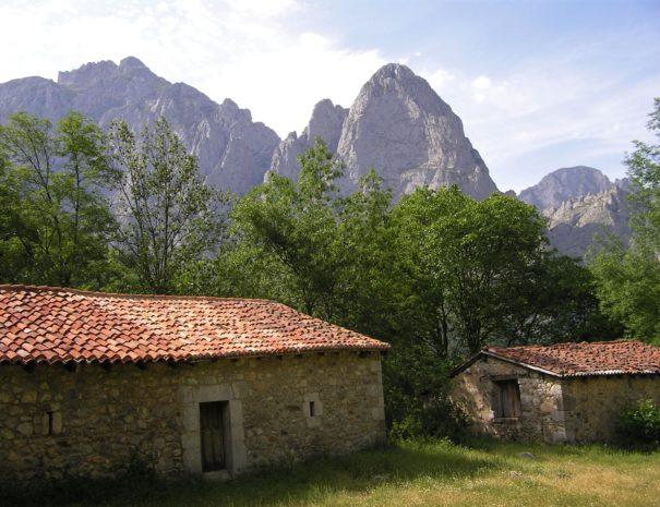 Corona houses Picos de Europa Wilextours-min