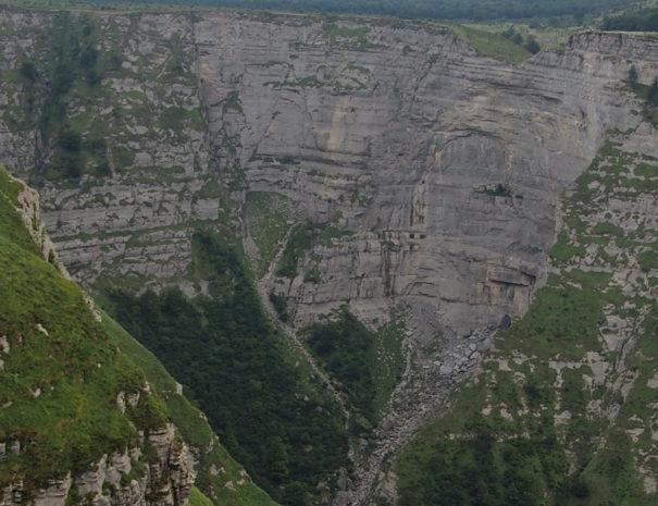 Nervion-jump-valley-vista-Wilextours