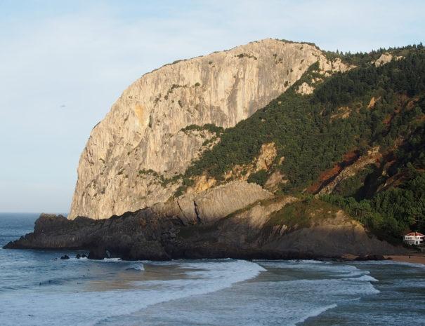 Ogoño-cliff-Wilextours