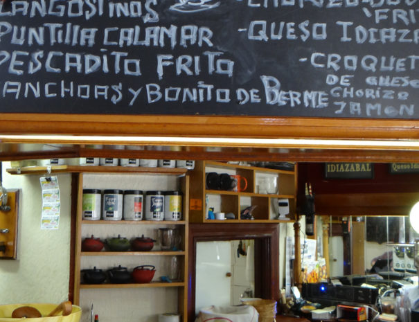 Traditional-bar-Zumaia-Wilextours