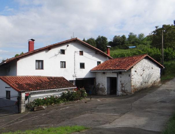 Urdaibai-traditional-houses-Wilextours
